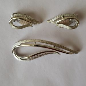 Vintage Sarah Coventry Pin & Earrings